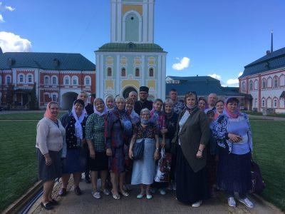 Община глухих и слабослышащих прихожан храма трех святителей Вселенских совершила паломничество по святыням Мордовии