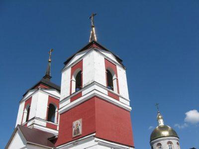 В Неделю 11-ю по Пятидесятнице митрополит Серафим совершил Литургию в Воскресенском соборе Никольска