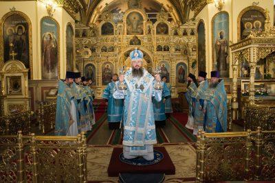 В день чествования Донской иконы Божией Матери митрополит Серафим совершил Литургию в Успенском кафедральном соборе Пензы