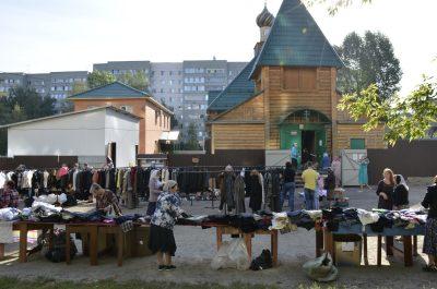 Благотворительная акция «Соберем детей в школу» прошла в Покровском соборе и храме Серафима Саровского