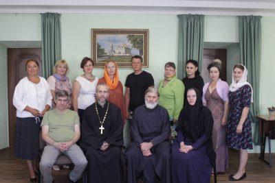 На базе Троицкого женского монастыря проводятся занятия по развитию навыков работы с подростками