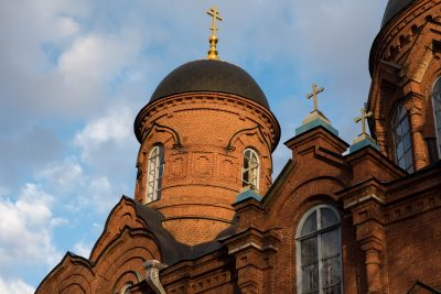 В канун Недели Крестопоклонной митрополит Серафим совершил всенощное бдение в Успенском кафедральном соборе
