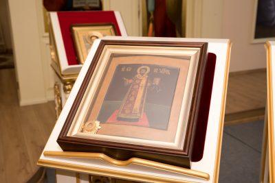 В день памяти святителя Иоанна Златоустаго митрополит Серафим совершил Литургию в Воскресенском храме при епархиальном управлении