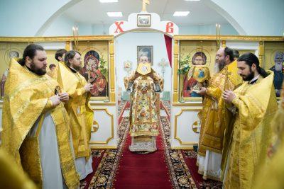 В день памяти апостола и евангелиста Матфея митрополит Серафим совершил Литургию в Богоявленском соборе Пензы
