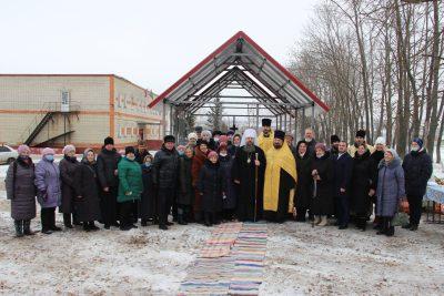 Митрополит Серафим заложил капсулу в основание Михаило-Архангельского храма в селе Степановка