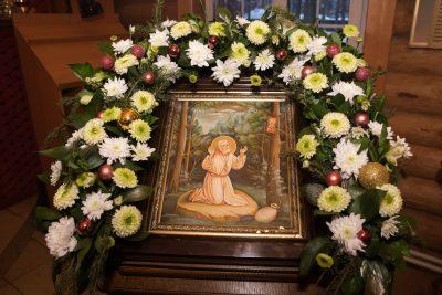 В день престольного праздника митрополит Серафим совершил Литургию в Серафимовском храме в Заречном