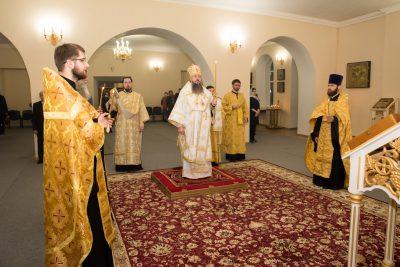 В канун Недели 34-й по Пятидесятнице митрополит Серафим совершил всенощное бдение в Воскресенском храме при епархиальном управлении