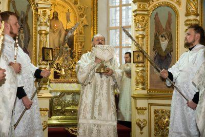 В Неделю по Богоявлении митрополит Серафим совершил Литургию в Успенском кафедральном соборе