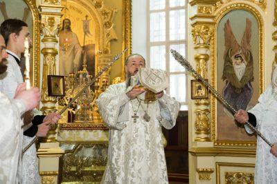 В Крещенский сочельник митрополит Серафим совершил Литургию и чин великого освящения воды в Успенском кафедральном соборе