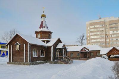 Митрополит Серафим совершил Литургию во Владимирском храме Кузнецка