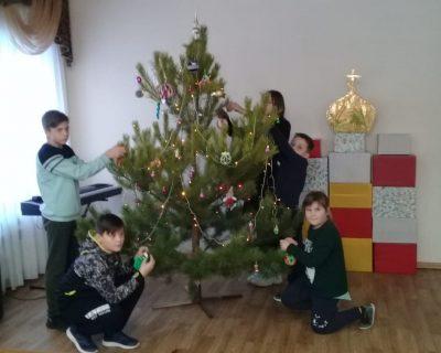 В дни школьных каникул в селе Норовка состоялся традиционный зимний детский православный лагерь «Накануне Рождества»