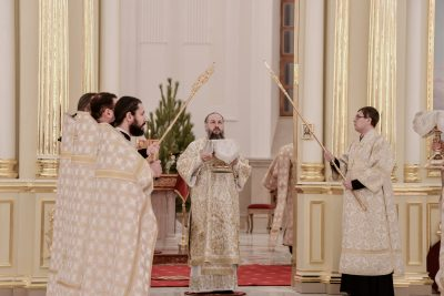 В праздник Рождества Христова митрополит Серафим совершил Божественную литургию в Спасском кафедральном соборе