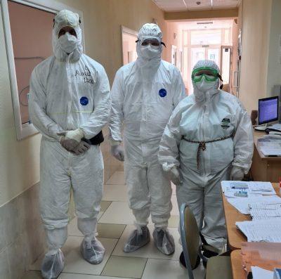Священник Виктор Сторожев посетил ковидный госпиталь в Заречном
