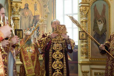В праздник Собора новомучеников и исповедников Церкви Русской митрополит Серафим принял поздравления с днем Ангела