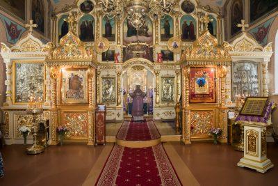 В первую Родительскую субботу Великого поста митрополит Серафим совершил Литургию в Митрофановском храме Пензы
