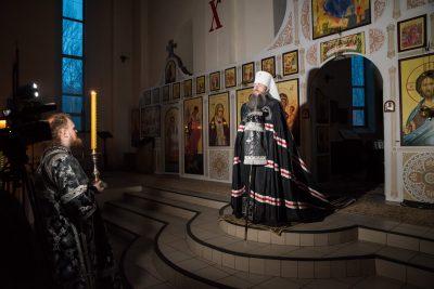 Митрополит Серафим совершил повечерие с чтением Великого покаянного канона преподобного Андрея Критского в Петропавловском храме Пензы