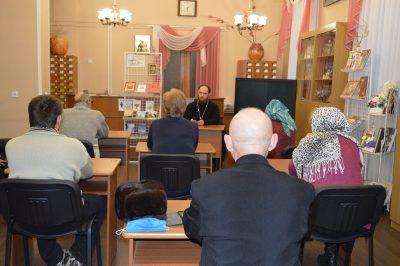 В рамках православного лектория пензенцам рассказали о канонических аспектах церковного брака