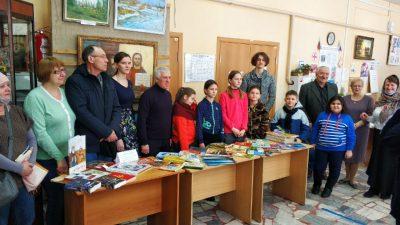 Активисты Союза православной молодежи провели акцию, направленную на распространение христианской литературы