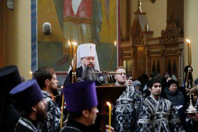 Митрополит Серафим совершил повечерие с чтением третьей части Великого покаянного канона в Вознесенском кафедральном соборе Кузнецка