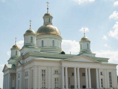 Пензенская епархия приглашает на богослужения в Спасском кафедральном соборе