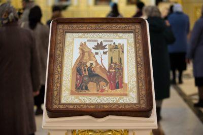 В канун праздника Входа Господня в Иерусалим митрополит Серафим совершил всенощное бдение в Спасском кафедральном соборе