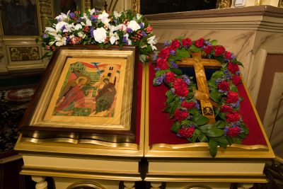 В канун Благовещения Пресвятой Богородицы митрополит Серафим совершил всенощное бдение в Успенском кафедральном соборе