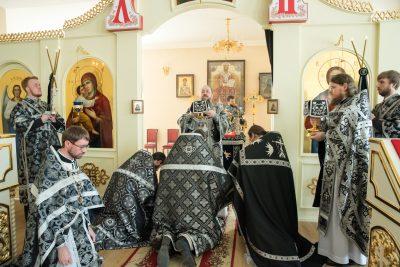 Митрополит Серафим совершил Литургию Преждеосвященных Даров в Воскресенском храме при Пензенском епархиальном управлении