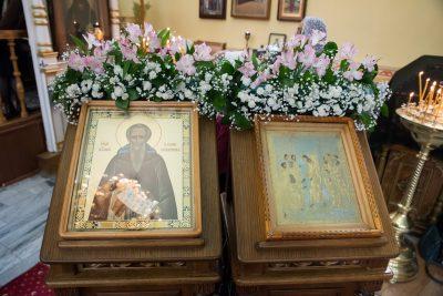 В Неделю 4-ю Великого поста митрополит Серафим совершил Божественную литургию в Воскресенской церкви в городе Заречном