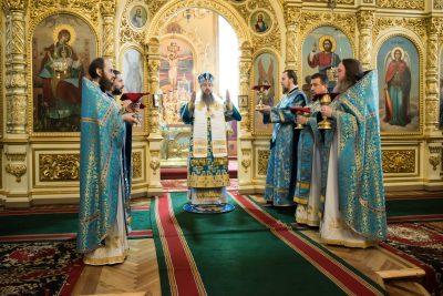 В праздник Благовещения Пресвятой Богородицы митрополит Серафим совершил Литургию в Успенском кафедральном соборе