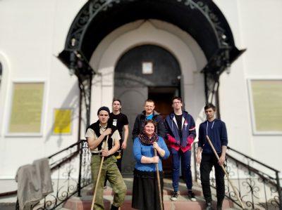 В селе Трофимовка состоялся субботник возле храма в честь Казанской иконы Пресвятой Богородицы