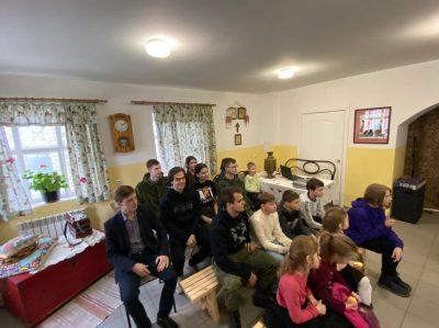 В Центре казачьей культуры при Покровском соборе прошел первый урок в рамках проекта «Школа традиций»