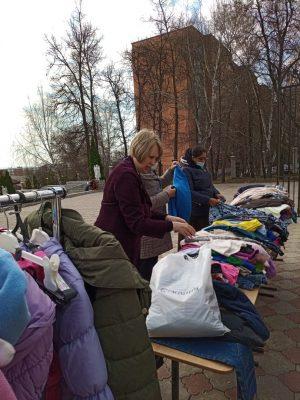 На территории Покровского архиерейского собора состоялась благотворительная ярмарка