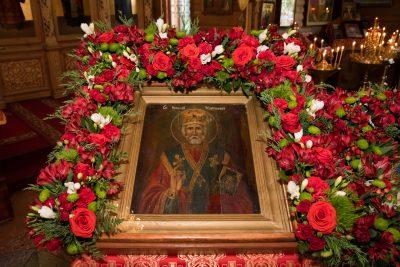 В день престольного праздника митрополит Серафим совершил Литургию в Никольском храме в Ахунах