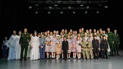 В Центре культурного развития прошел спектакль Семейного Православного театра «Огонь войны души не сжёг»