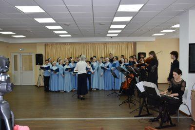 Литературно-музыкальная композиция «Собирает Россия полки» открыла XVI Региональный православный книжный фестиваль