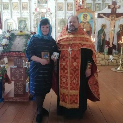 Священник поздравил учителя Шемышейской школы с победой во всероссийском конкурсе
