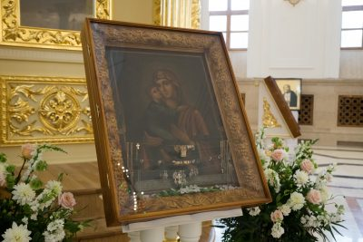 Чудотворную Владимирскую икону Божией Матери привезли в Спасский собор из села Большой Вьяс