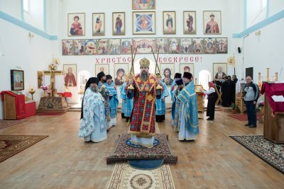 В престольный праздник митрополит Серафим совершил литургию во Владимирском храме с. Большой Вьяс