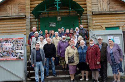 На площади перед храмом Серафима Саровского прошла традиционная благотворительная ярмарка
