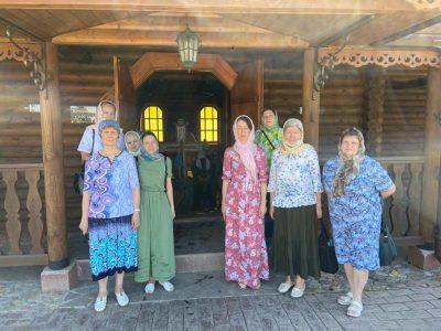 В день Святой Троицы паломники посетили Нижнеломовский Казанско-Богородицкий мужской монастырь