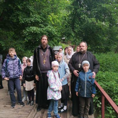 Воспитанники воскресной школы р. п. Шемышейка совершили паломничество на Семиключье