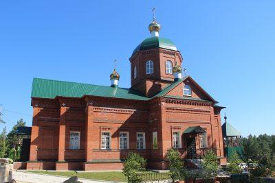 В день Святого Духа митрополит Серафим совершил литургию в Шиханском Покровском женском монастыре