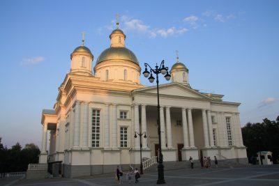 В канун Недели 3-й по Пятидесятнице митрополит Серафим совершил всенощное бдение в Спасском кафедральном соборе