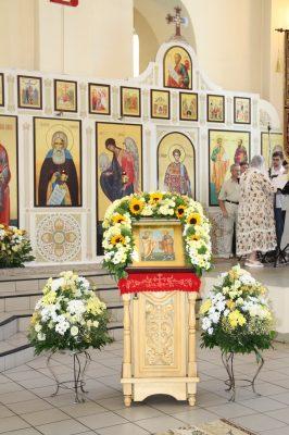 В канун дня памяти апостолов Петра и Павла митрополит Серафим совершил всенощное бдение в Петропавловском храме Пензы