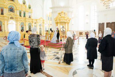 В Неделю 8-ю по Пятидесятнице митрополит Серафим совершил литургию в Спасском кафедральном соборе