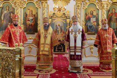 Митрополит Серафим поздравил митрополита Симбирского и Новоспасского Лонгина с 60-летием