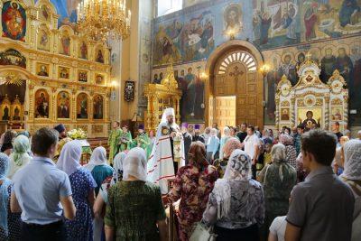 В день обретения мощей преподобного Серафима Саровского митрополит Серафим совершил литургию в Вознесенском кафедральном соборе Кузнецка