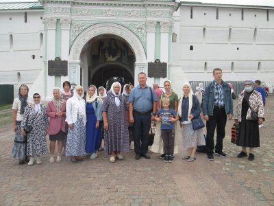 Паломники из Пензы посетили Сергиев Посад и Хотьково