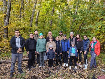 Православные активисты организовали экопоход в Арбековский лес