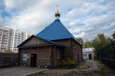 В канун сретения Владимирской иконы Божией Матери митрополит Серафим совершил всенощное бдение во Владимирском храме Пензы